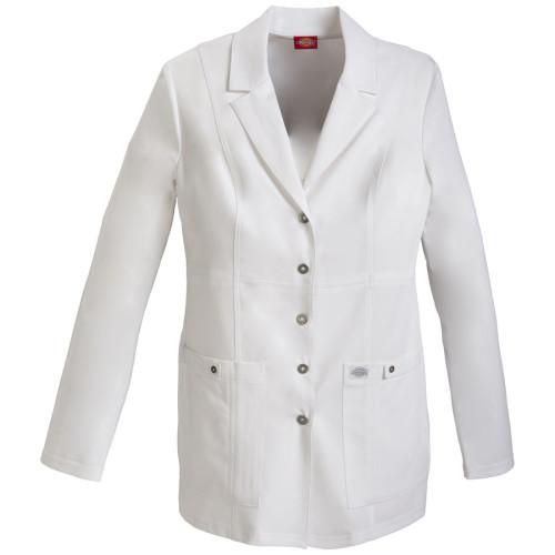 82400-woman-medicine-clothes-2